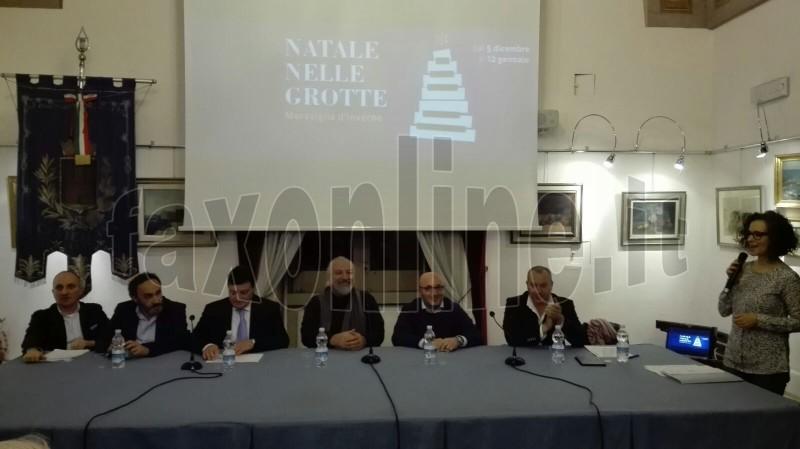 conf_Natale_Grotte